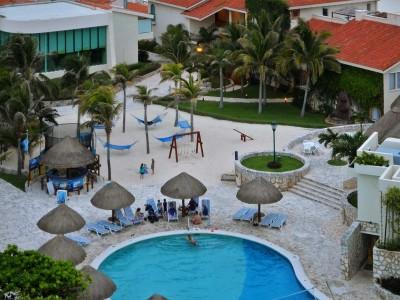 grand_park_royal_luxury_resort_cancun_1128GhRE1wa4VRY5yH