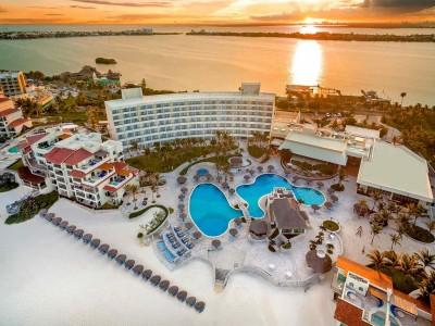 grand_park_royal_luxury_resort_cancun_sZgYTSnaxlBibvcI