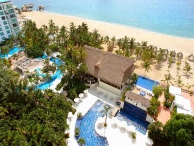 hotel_emporio_acapulco_vista_albercas_marjSgNzeHZzhbDD2Qc