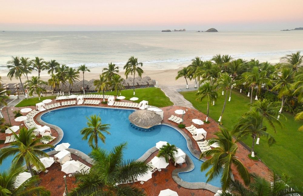 Panoramica del hotel Emporio Ixtapa