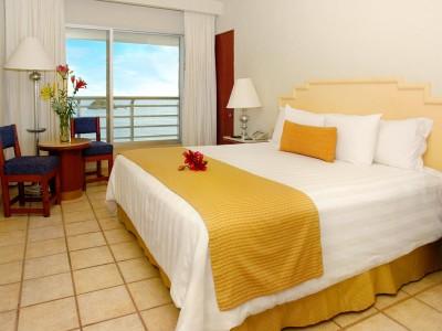 hotel_emporio_ixtapa_hab_cama_kingd4e53fIgA34WQWB7