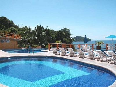 hotel_irma_zihuatanejo_03kYyYECULgGlJEZPk