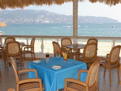 hotel_krystal_beach_acapulco_003DsVSagwCMMaLS8N3