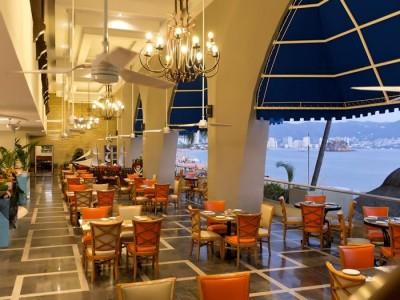 hotel_krystal_beach_acapulco_8ppV4Kqaesn59W1wt