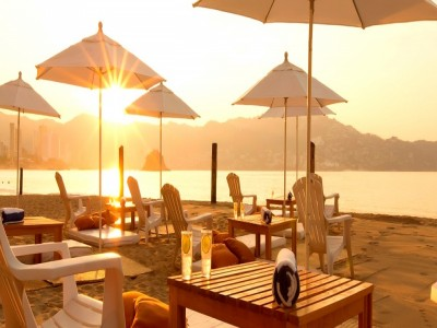 hotel_krystal_beach_acapulco_9KtzcCkBgtXmOACNx