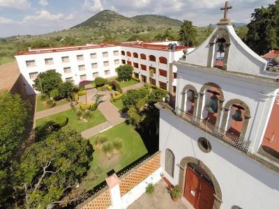 hotel_mision_muralla_queretaro_9KQZEA8pZdK1ce9St