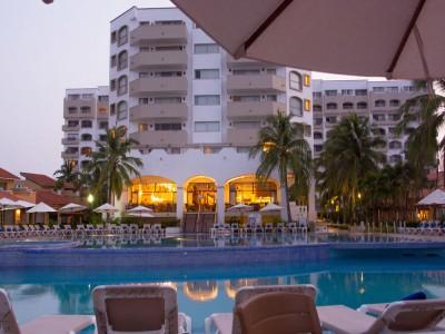 hotel_tesoro_ixtapa_vista_alberca1xhXMFm7aQmABQFje