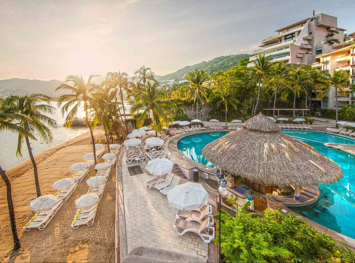 Panoramica del hotel Park Royal Beach Resort Acapulco Promociones