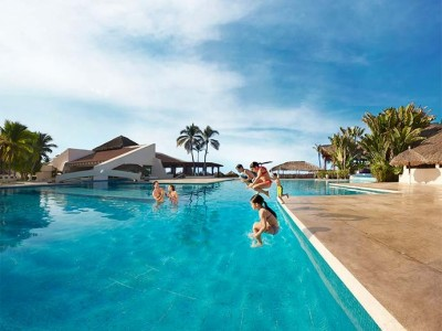 park_royal_beach_resort_ixtapa_4lAir4tjIEpn5MqBM